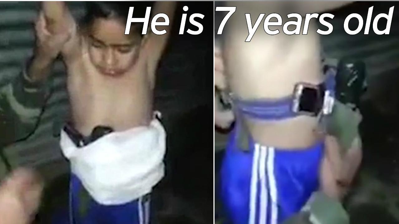 [VÍDEO] El 'niño suicida' enviado por ISIS con bombas bajo su camiseta del Chelsea