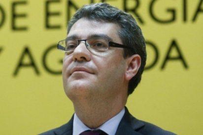 Alvaro Nadal se reúne con Cs para abordar el autoconsumo, el bono social y el Pacto sobre Energía