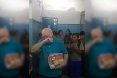 La emocionante sorpresa a un ejemplar profesor en su último día de clases