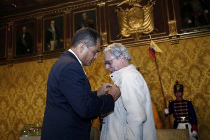 Ecuador condecora a Frei Betto