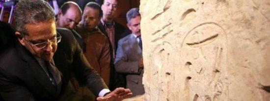 Los jeroglíficos de la enorme estatua descubierta en Egipto revelan un gran secreto escondido
