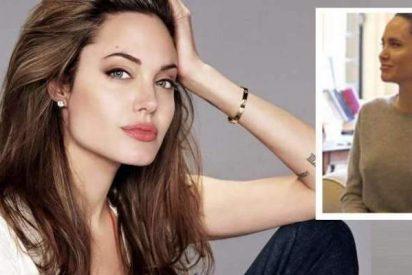 Angelina Jolie visita al Arzobispo de Canterbury sin sujetador y la lía la parda