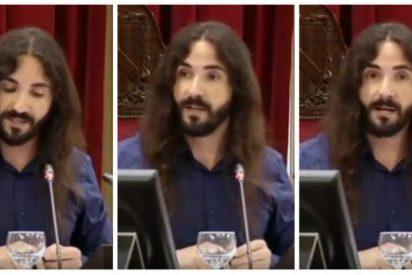 El podemita y filochavista presidente del Parlamento balear, a patadas con la prensa
