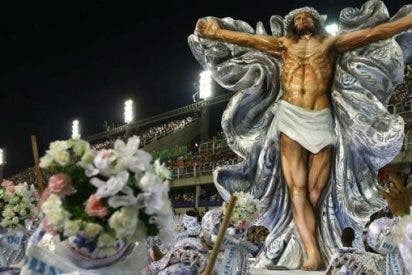 """La carroza """"Santo y orixá"""" retirada del Carnaval de Río"""