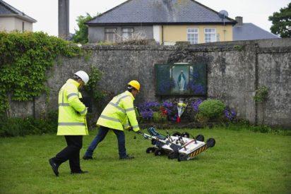 Restos de bebés y niños hallados en un convento de Irlanda