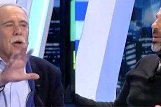 """Pérez Henares le da a un podemita con la Misa en los morros: """"¡Cualquier día nos vais a querer prohibir hablar castellano!"""""""