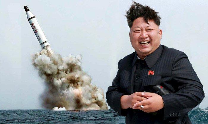 Kim Jong-un se pasa tres pueblos y deja caer tres misiles balísticos en aguas japonesas