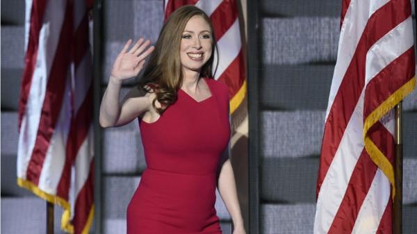 """Chelsea Clinton pide en Twitter """"que no llegue a EEUU el autobús"""" de Hazte Oír"""