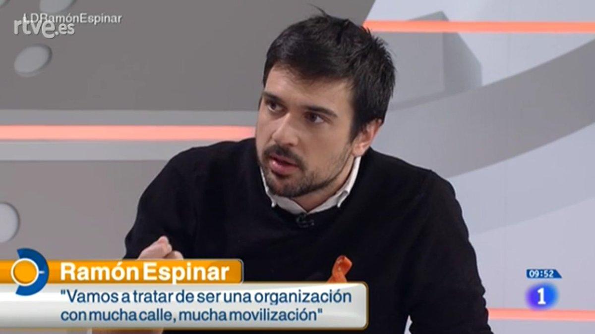 El llorica Espinar exige cambiar el reglamento del Senado para evitar que el PP le pinte la cara