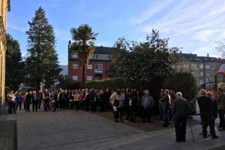Más de un centenar de vecinos de Friol van a misa a Quiroga