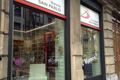 Mario Iceta bendice la reapertura de la Librería San Pablo de Bilbao