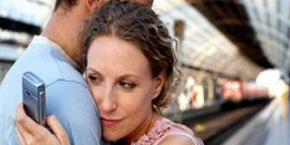 Condenan a una mujer a indemnizar a su marido por engañarlo con otro