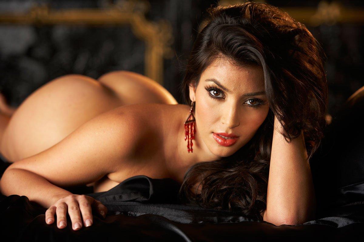 Kim Kardashian revela sus intimidades sexuales con su fogoso marido
