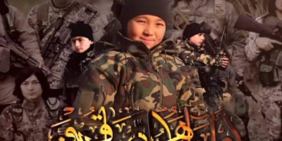 """[VÍDEO] Así promete el ISIS conquistar China dando hostias de kung-fu: """"¡Haremos que corra sangre por los ríos!"""""""