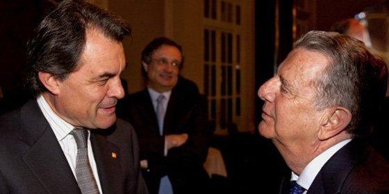 Sorprendente giro en La Vanguardia: ahora le suplica a Mas que abandone la política