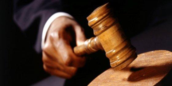 Al abogado se le queman los pantalones defendiendo a un presunto pirómano