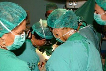 Despedido por pedir días libres en su trabajo para donar a la hija el hígado