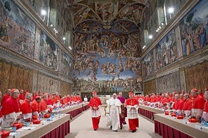 El Papa que escuchó a los cardenales