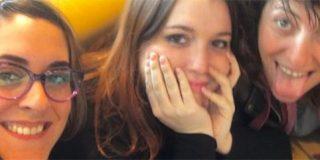 La foto de una diputada de ERC que deja en bragas a dos podemitas