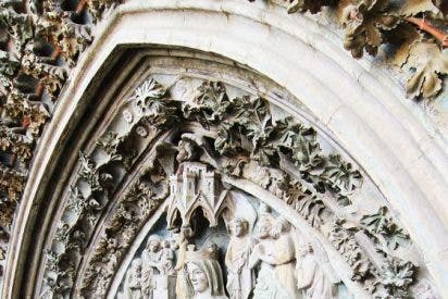 Restaurada la portada de Santa María de Olite