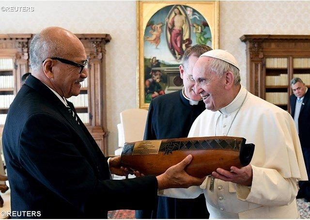 El Papa dona cien mil dólares al golpeado Perú