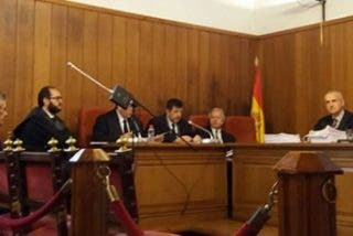 La Audiencia Provincial admite como prueba el expediente canónico del