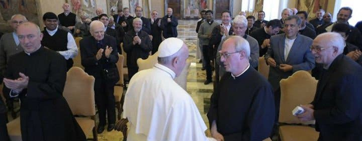 """El Papa, a los somascos: """"Vayan al encuentro de la humanidad herida y descartada"""""""