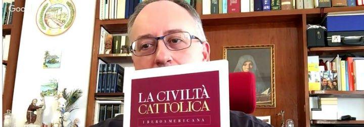 """Antonio Spadaro sj:""""Francisco comunica con todo su cuerpo y con su simple presencia"""""""
