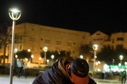 Un centenar de menores migrantes duermen en las calles de Melilla