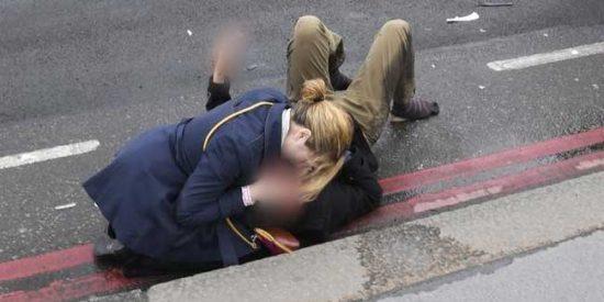 """Un terrorífico recorrido: el vídeo de las agonizantes víctimas tras la masacre en Londres: """"¡Dios!"""""""
