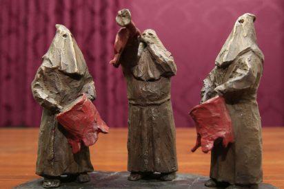 La Semana Santa regala a Viveiro esculturas en honor a los cofrades