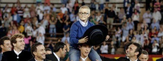 Muere Adrián, el niño con cáncer que quería ser torero