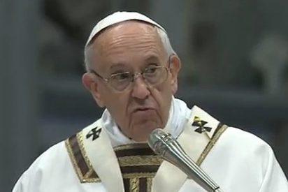 """Francisco, a los sacerdotes: """"La evangelización no puede ser presuntuosa, ni rígida la integridad de la verdad"""""""