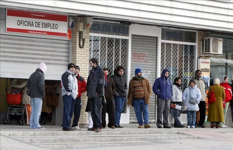 Así son los sueldos en España: ¿sabes cuál es el más frecuente? ¿en qué comunidades se gana más? ¿qué sectores son los mejor pagados?