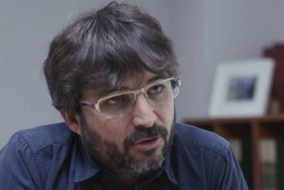 El patoso chiste de Évole sobre el bigote de Aznar y las armas de destrucción masiva la monta en Twitter