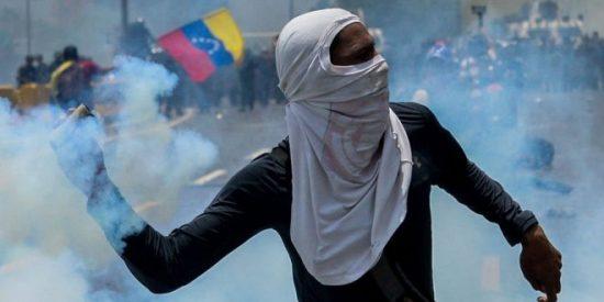 Las 4 claves que explican por qué es diferente la nueva ola de protestas contra Maduro