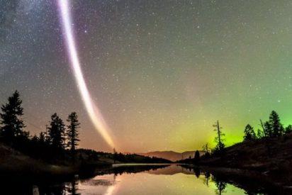 Una extraña columna de luz irrumpió en el cielo de Canadá