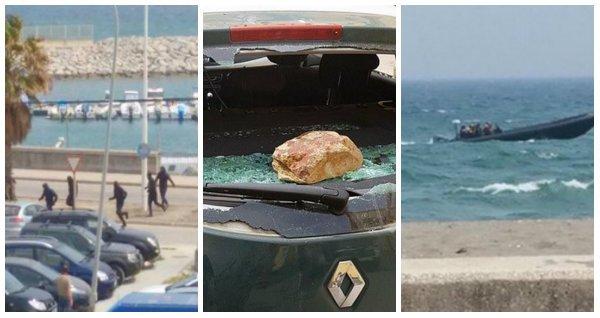 Narcos alijan a plena luz del día en La Línea, llega la Guardia Civil... ¡y la gente les tira piedras!