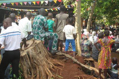 Pascua de Resurreccion en un antiguo campo de desplazados