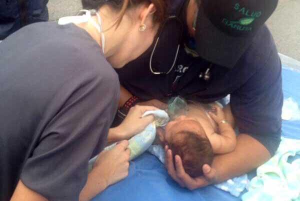[VÍDEOS] El salvaje ataque de la policía chavista a una clínica ¡con bombas lacrimógenas caducadas!