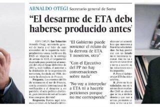 El País sulfura a las víctimas con un repugnante masaje de John Carlin al proetarra Otegi