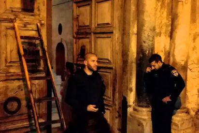 Los musulmanes encargados del ritual de abrir y cerrar la Iglesia del Santo Sepulcro