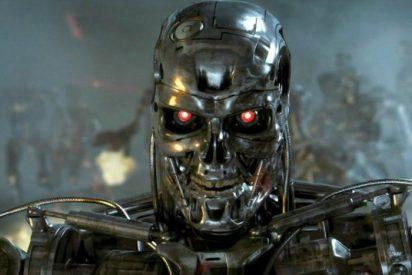 El robot que ha aprendido a apuñalar
