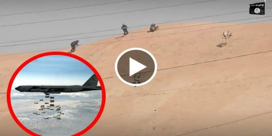 Así aplasta un bombardero B-52 a las ratas trepadoras del ISIS en una duna