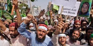 '¡Alá es grande!': La horda musulmana mata a patadas al estudiante de Periodismo... por opinar