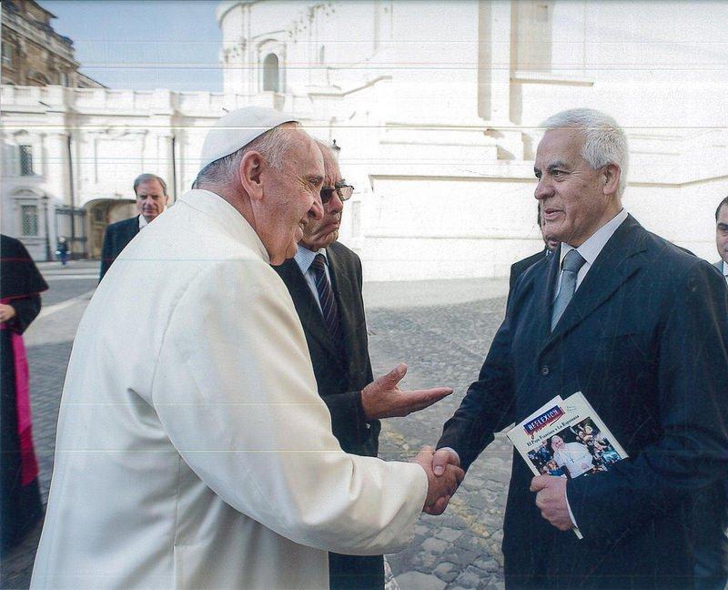 """Jaime Escobar: """"Desde que llegó Bergoglio hay un nuevo ambiente en la Iglesia"""""""