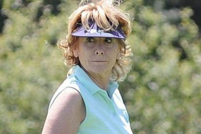 Esperanza Aguirre se consuela de su dimisión en el campo de golf