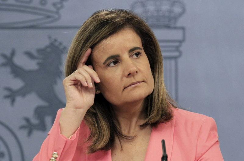 Fátrima Báñez: El gasto en pensiones crece en España en abril de 2017 un 3,1%