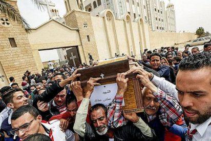 Identifican a uno de los suicidas de la masacre contra las iglesias coptas en Egipto