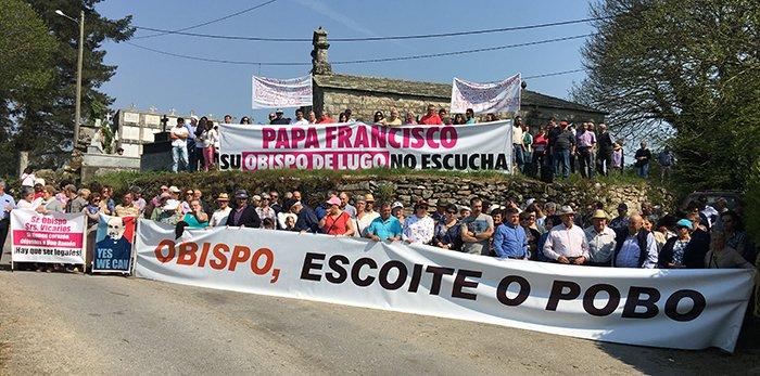 'Papa Francisco, su obispo de Lugo no le escucha'